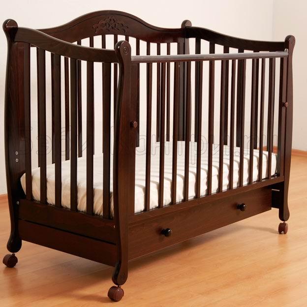 Кроватка для новорожденного массив
